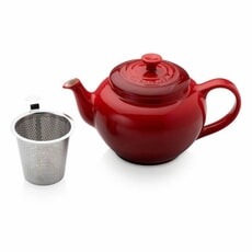 Le Creuset Petite Teapot With Stainless Steel Infuser Cerise