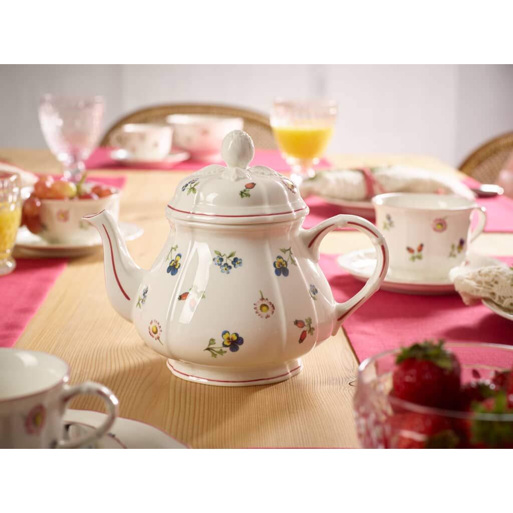 Petite fleur by villeroy and boch couple excited asian