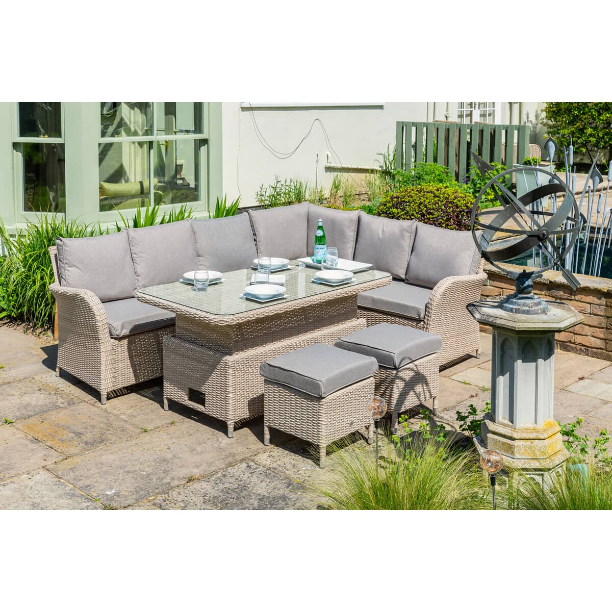 1 X Lg Outdoor Monaco Left And Right Sofas 2 Footstools And Cushions Mnc10bdl