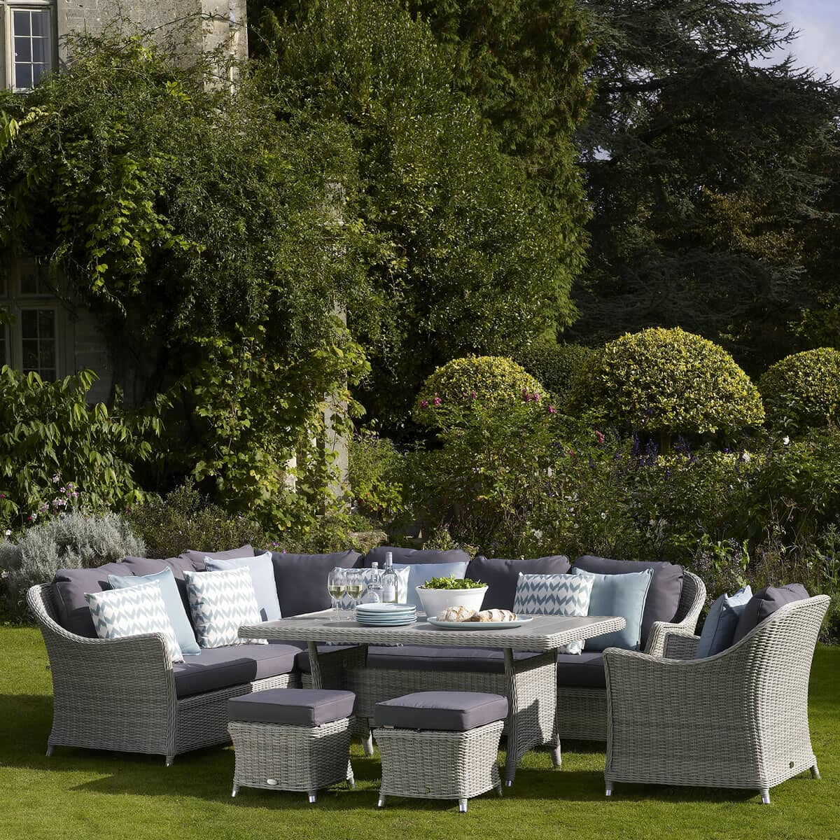 Bramblecrest Monterey Modular Sofa With Rectangle Ceramic