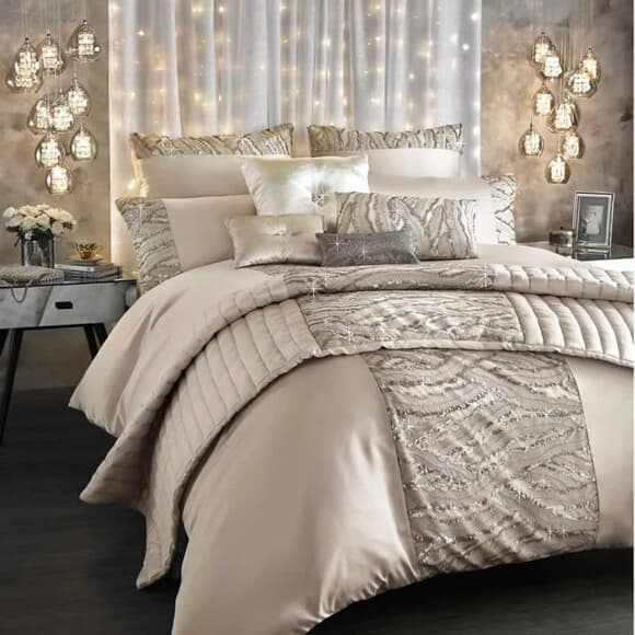 Kylie at Home Celeste Shell large