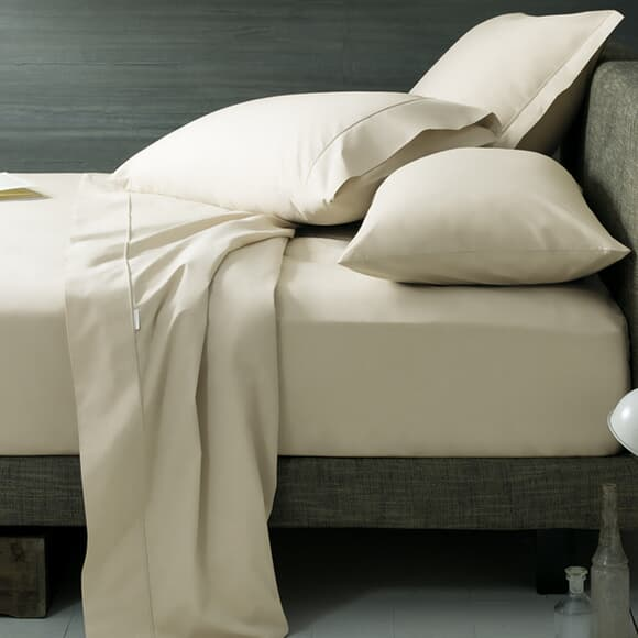 Sheridan Chalk/ Light Cream 300 T/Count Percale large