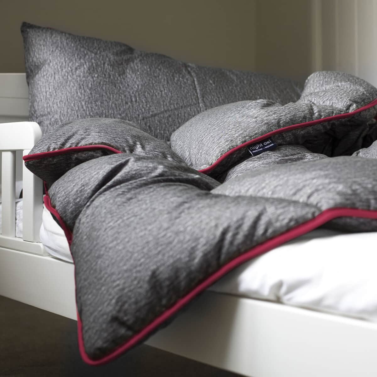 Fine Bedding Co Night Owl Grey/ Pink large