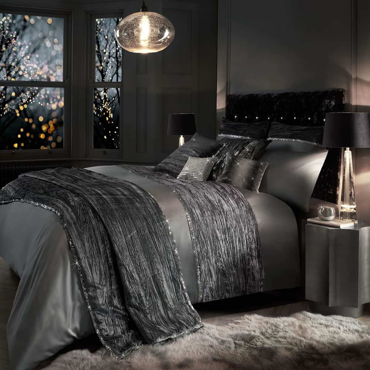 Kylie at Home Zander Silver large
